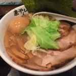 青樹@立川 濃厚で飲みやすいスープの煮干しラーメンをいただく