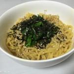 生中華麺で釜たまに挑戦。これは油そばっぽくて美味しい。