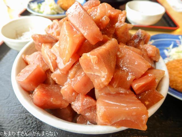 魚市場食堂で「まぐろいっぱい丼」のアイキャッチ