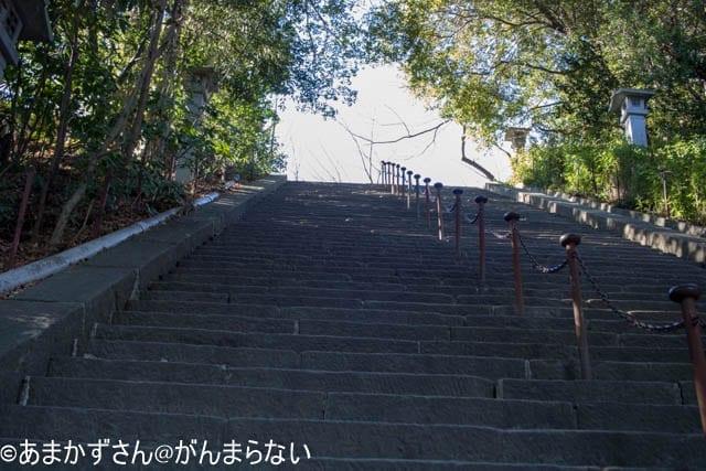 麓山神社への階段