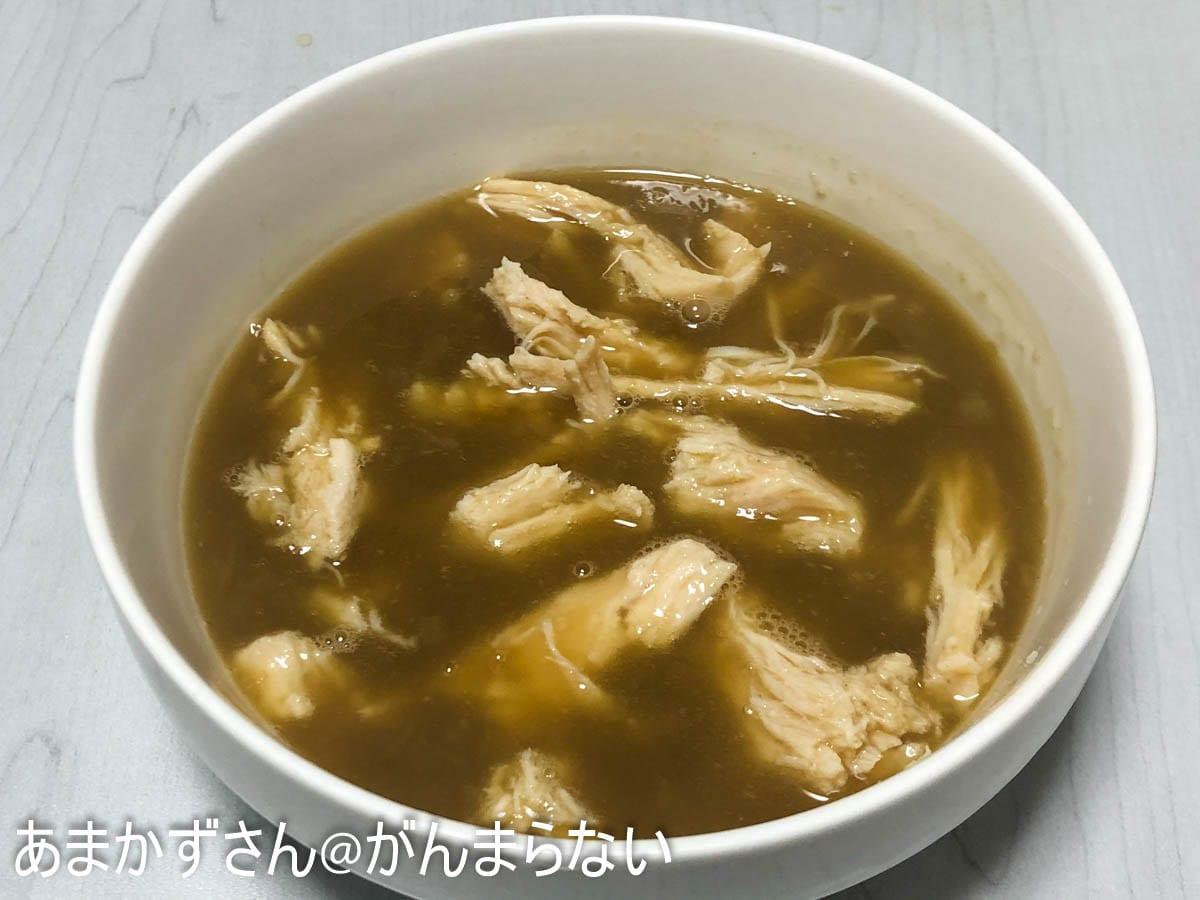 サラダチキンを加えて作る、濃厚煮干しスープの完成