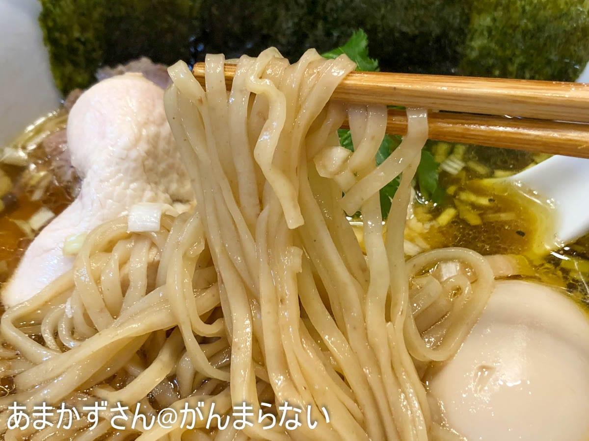 特製醤油鶏そばの麺