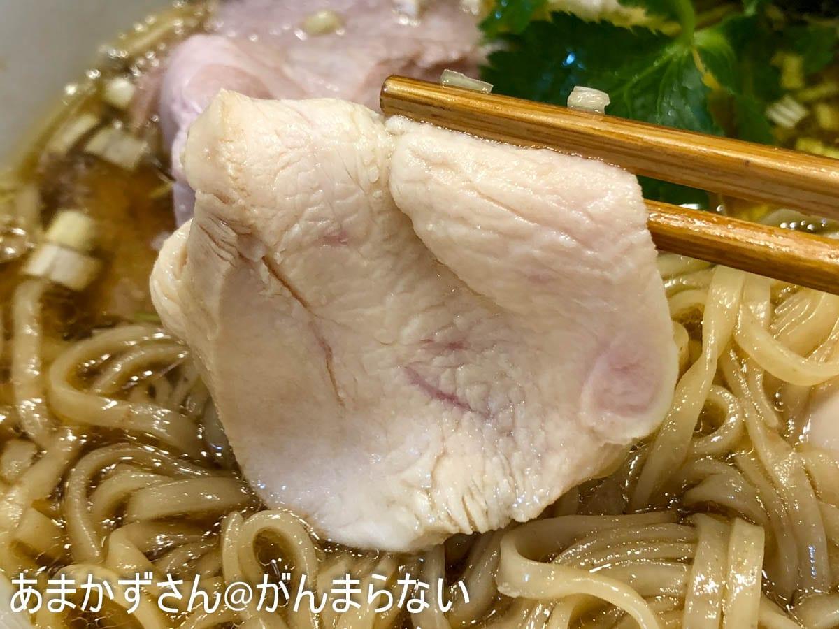 特製醤油鶏そばの鶏肉